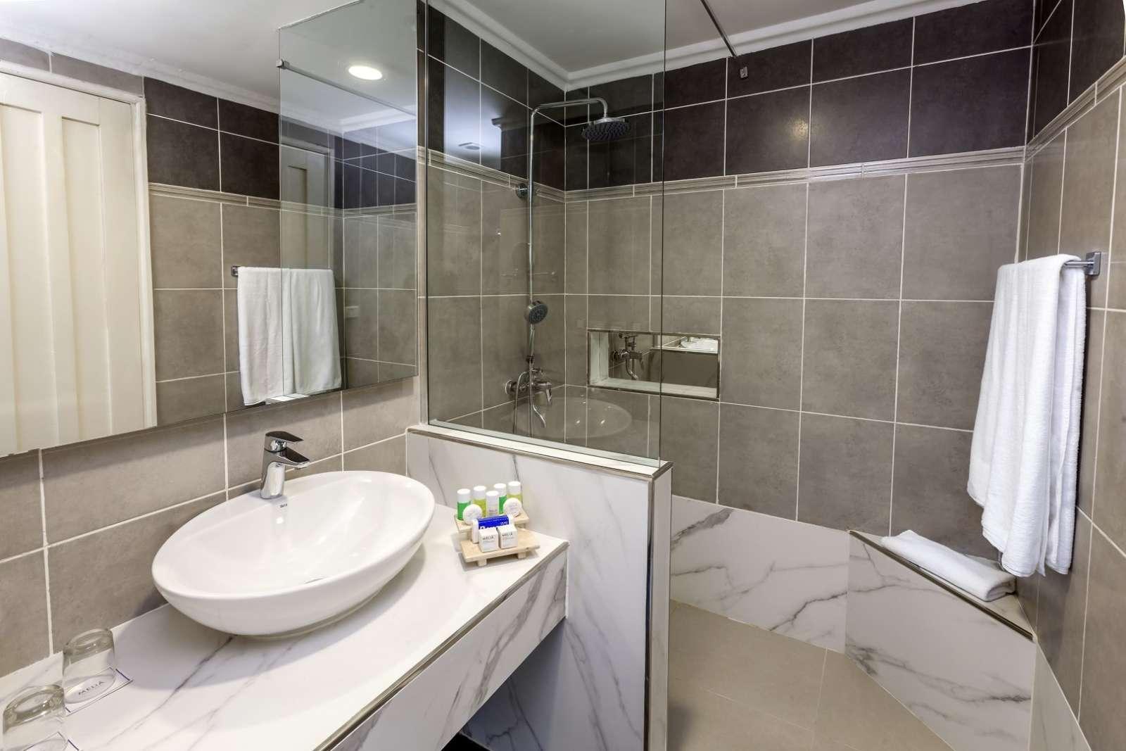 Bathroom at Melia San Carlos
