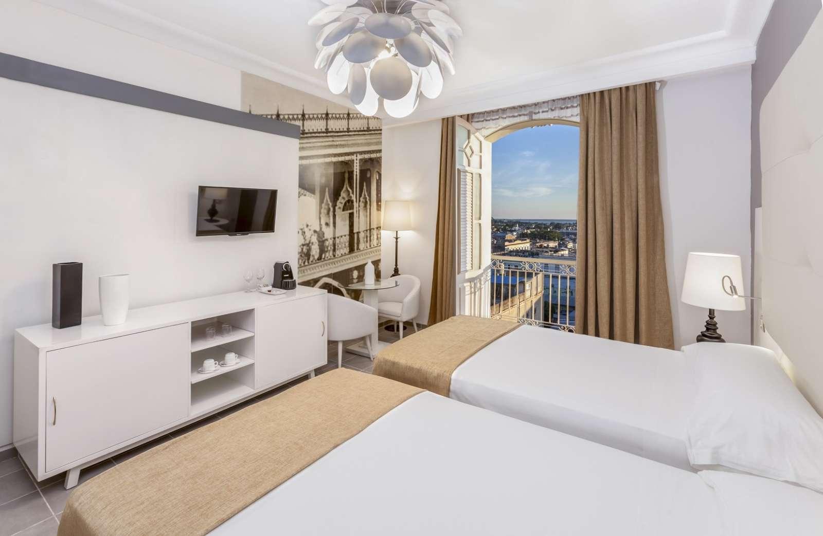 Twin room with view at Melia San Carlos