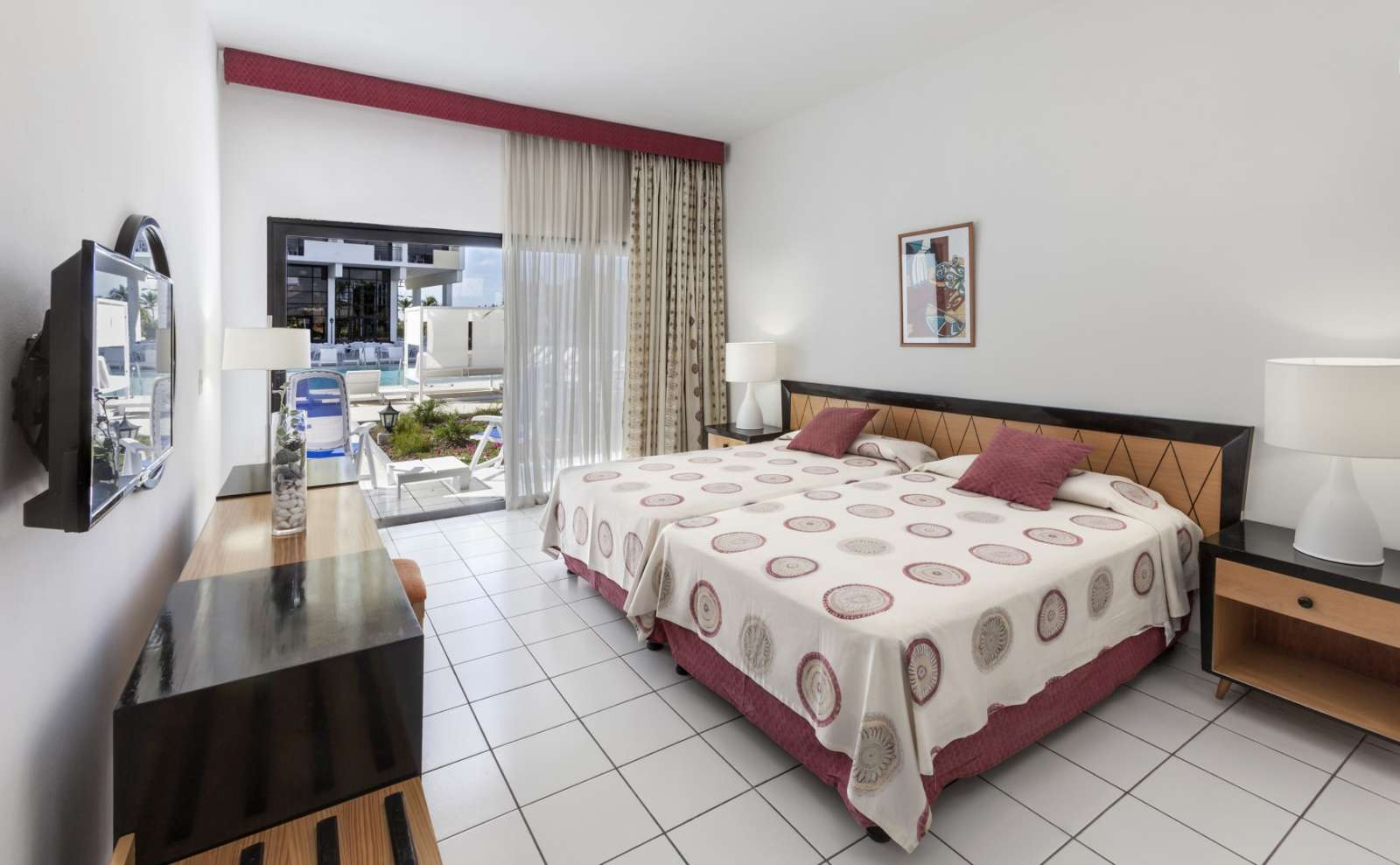 Twin room at Melia Jagua in Cienfuegos