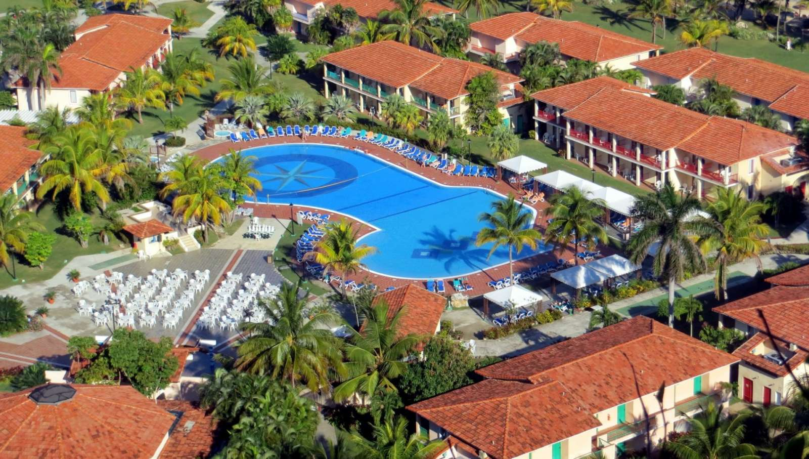 Aerial view of Memories Jibacoa pool