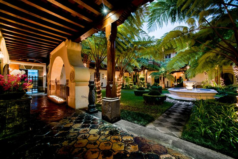 Courtyard at Hotel Palacio de Dona Leonor
