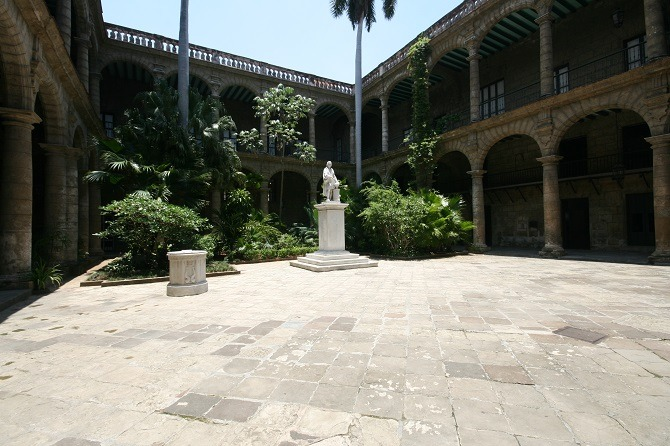 Courtyard at Palacio de Capitanes in Havana