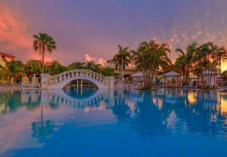 Swimming pool at sunset at Paradisus Princesa Varadero