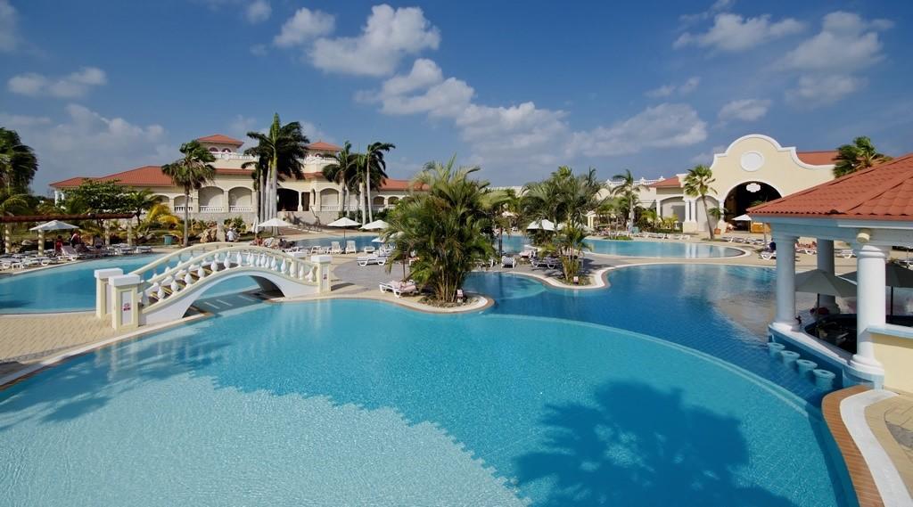 Swimming pool at Paradisus Princesa Varadero