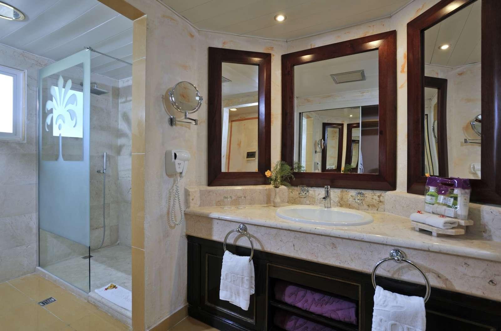 Bathroom at Paradisus Rio de Oro