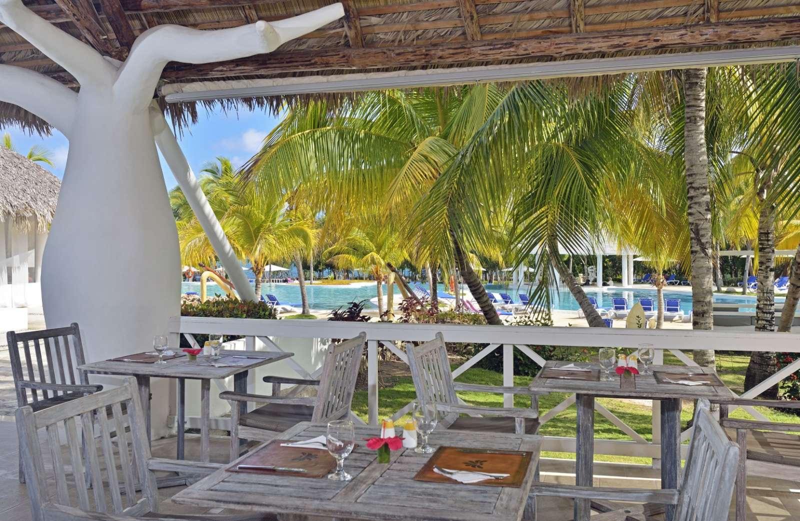 Poolside restaurant at Paradisus Rio de Oro