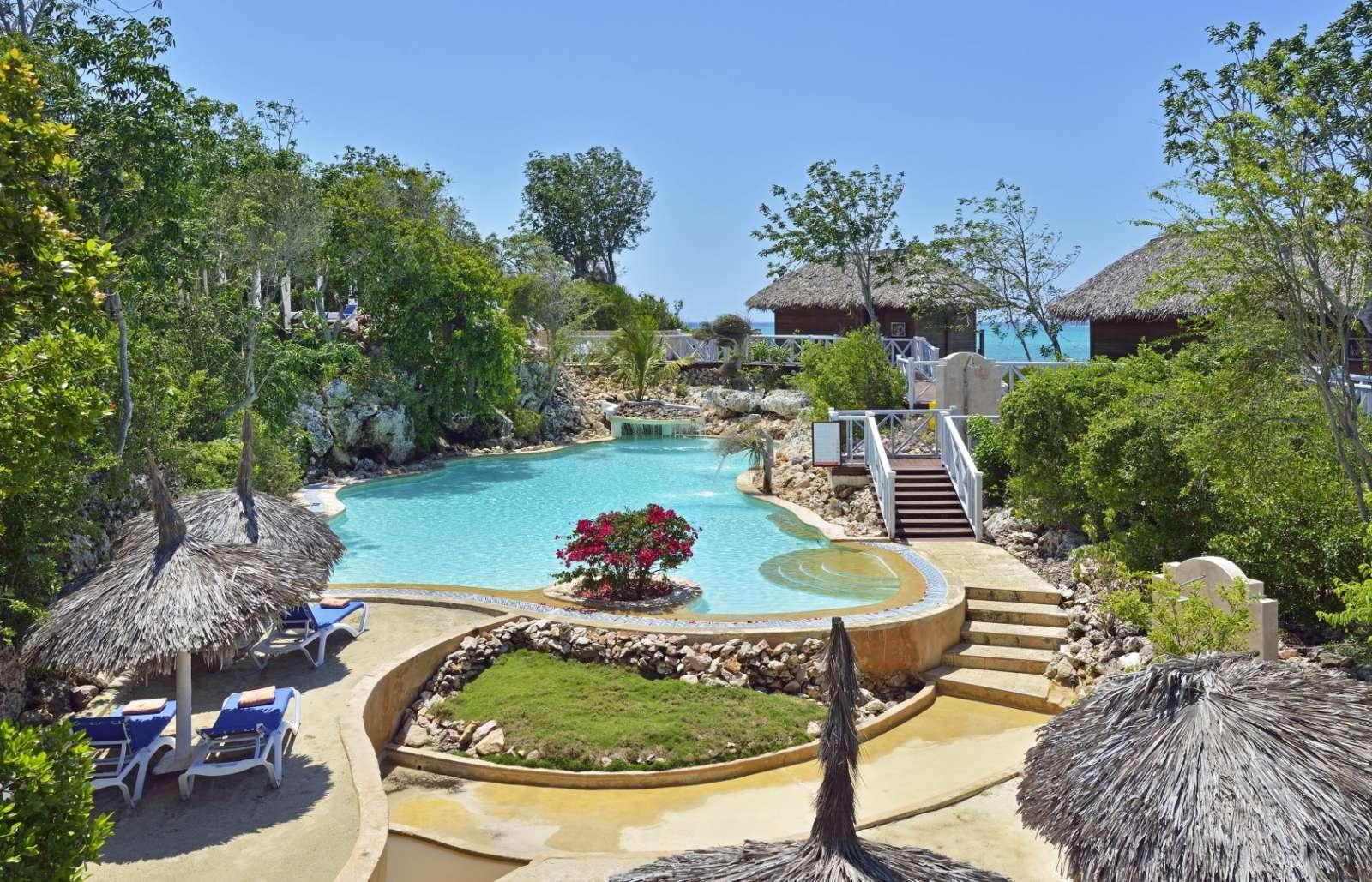 Yhi Spa pool at Paradisus Rio de Oro