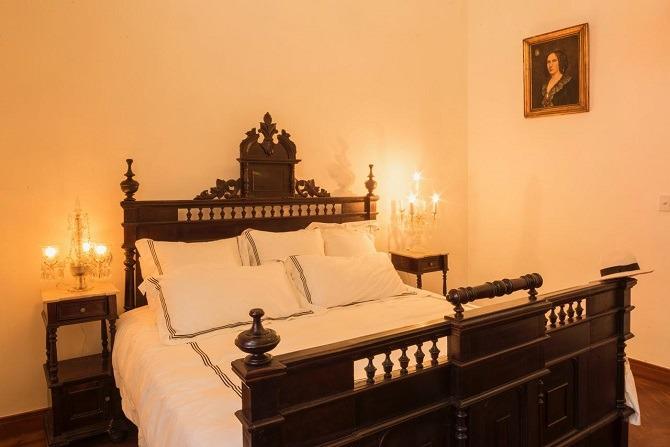 Bedroom at Plaza Vieja 1912 in Havana