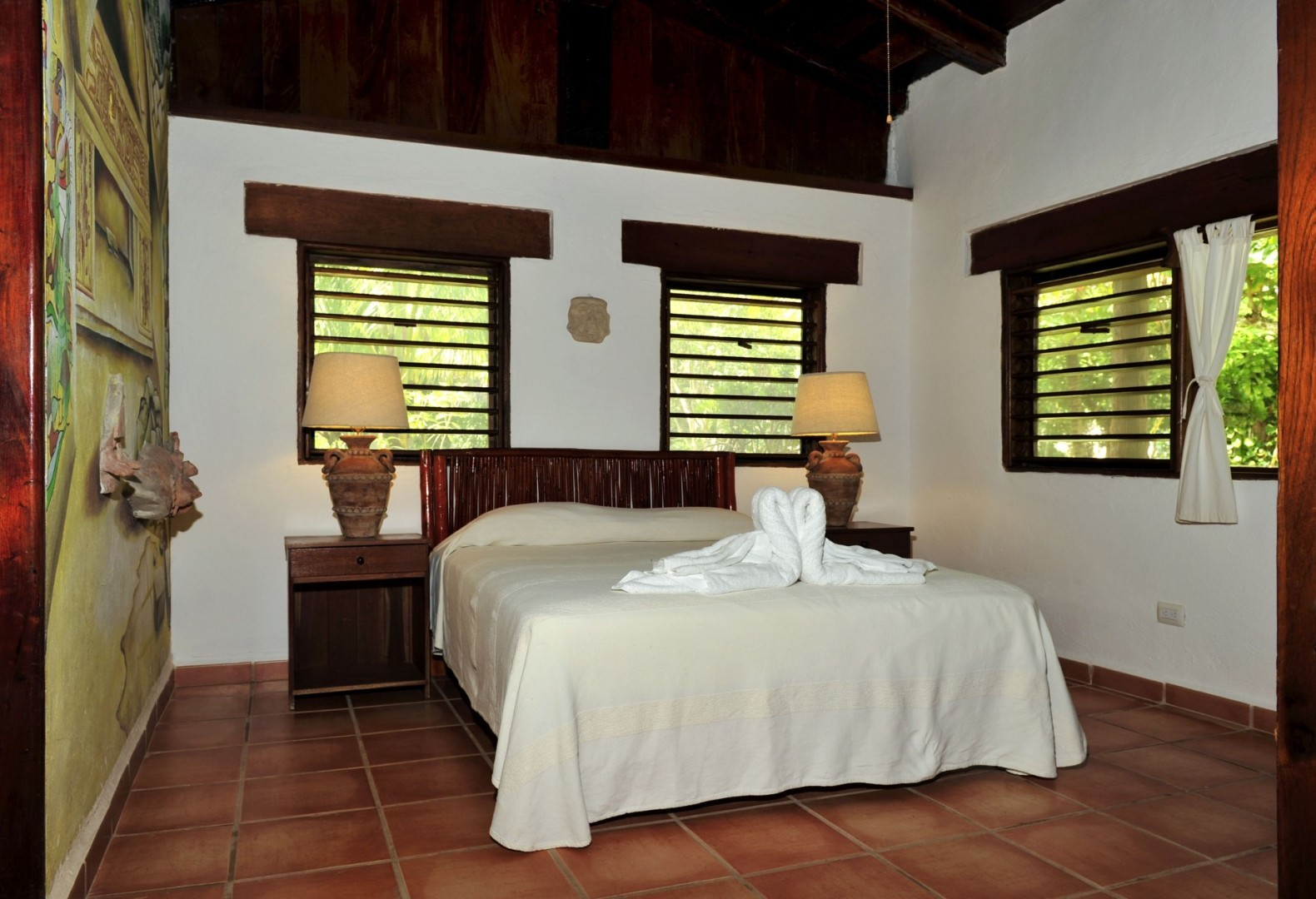 Small double room at Rancho Encantado Bacalar