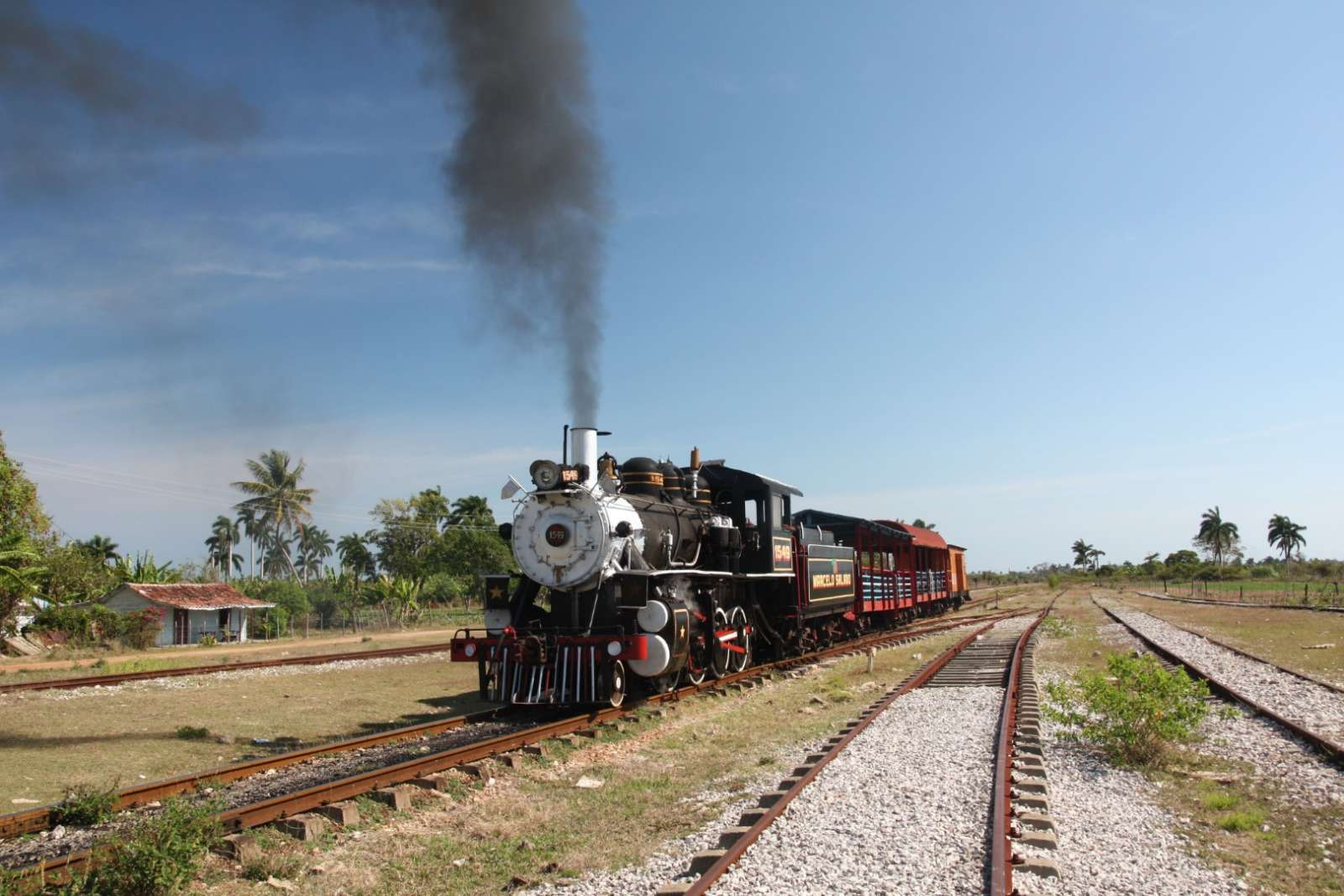 Steam train outside Remedios