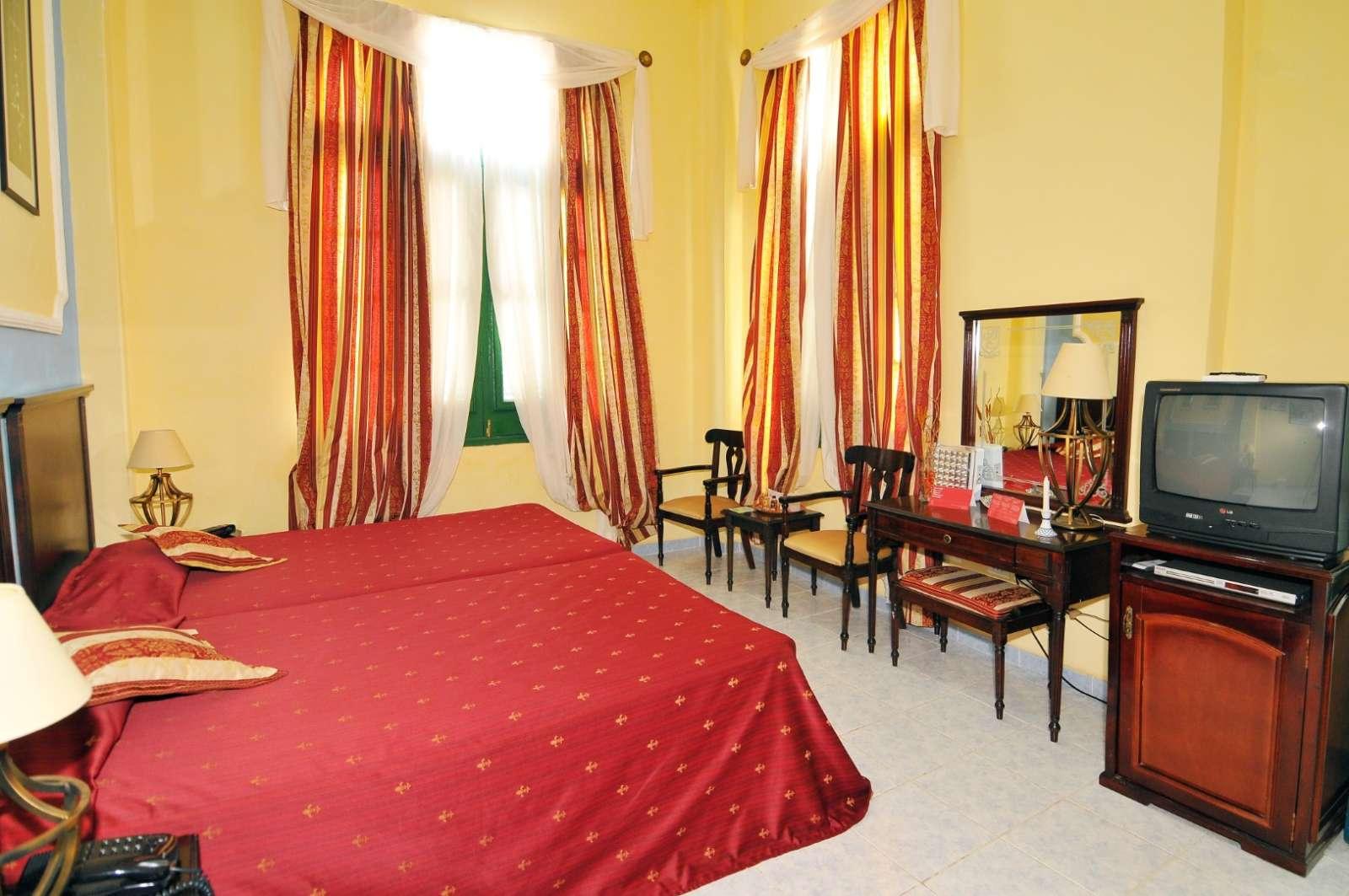 Twin room at Hostal San Basilio