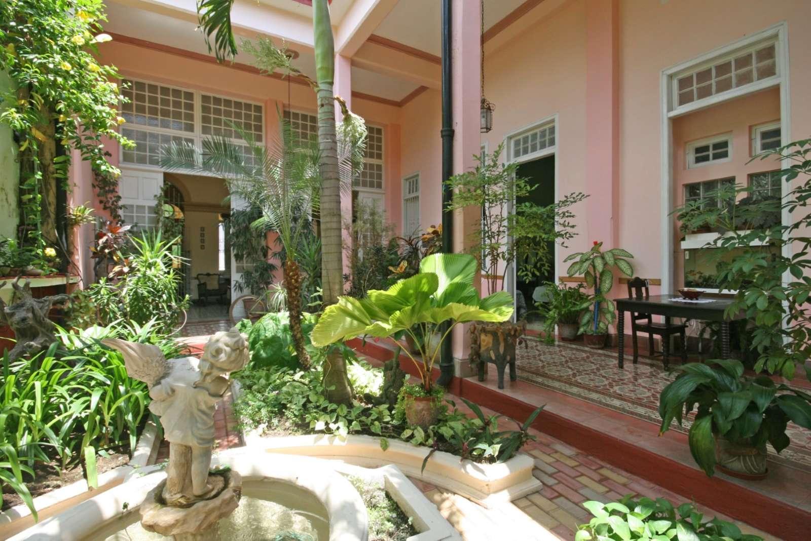 Casa Autentica Pergola in Santa Clara, Cuba