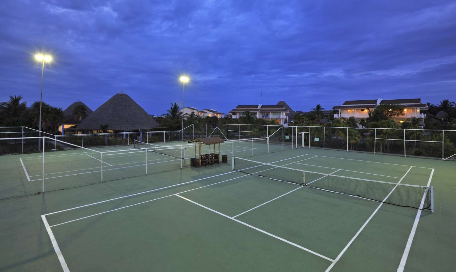 Tennis courts at Sol Cayo Largo