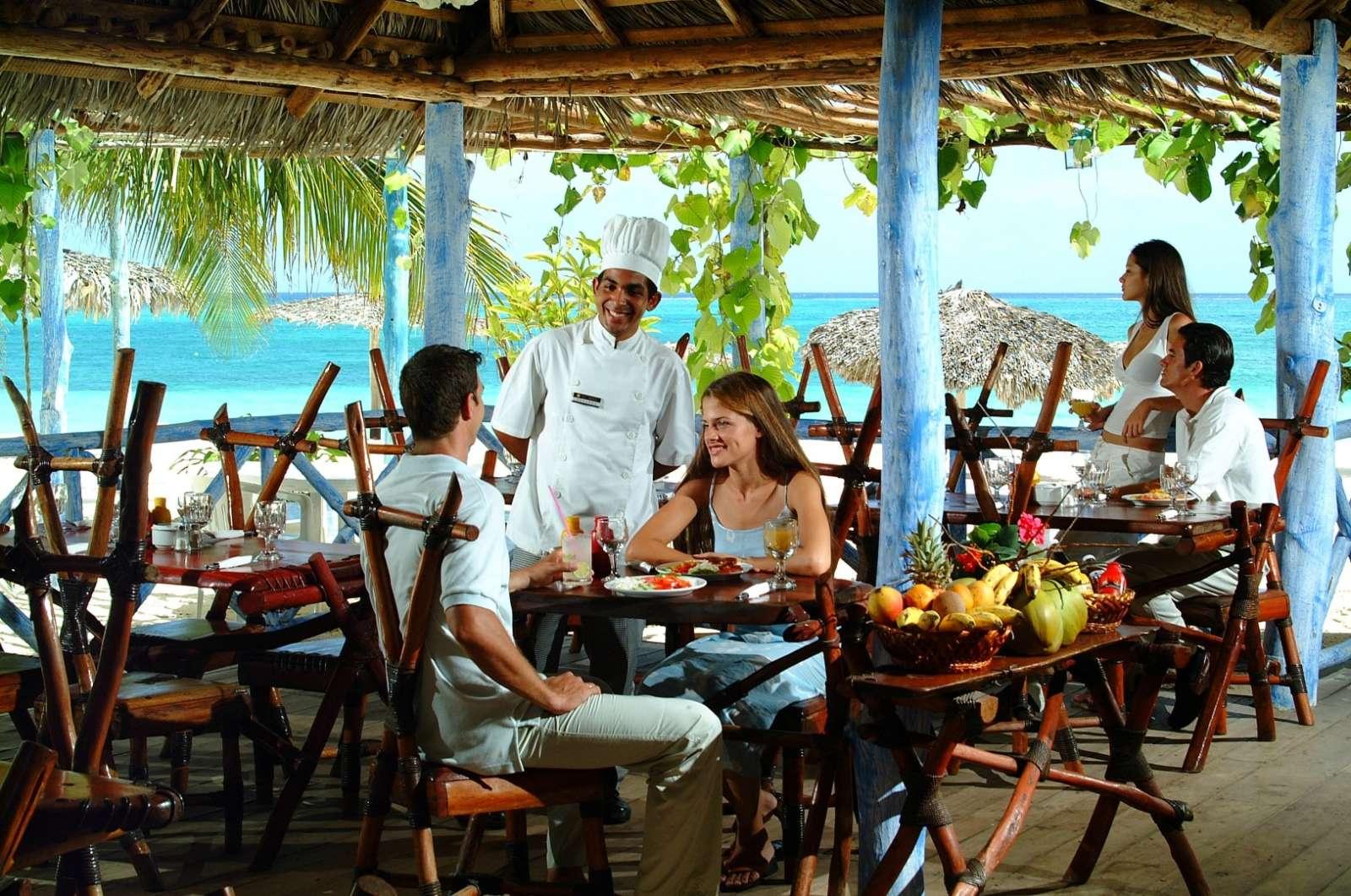 Beach restaurant at Sol Rio De Luna Y Mares