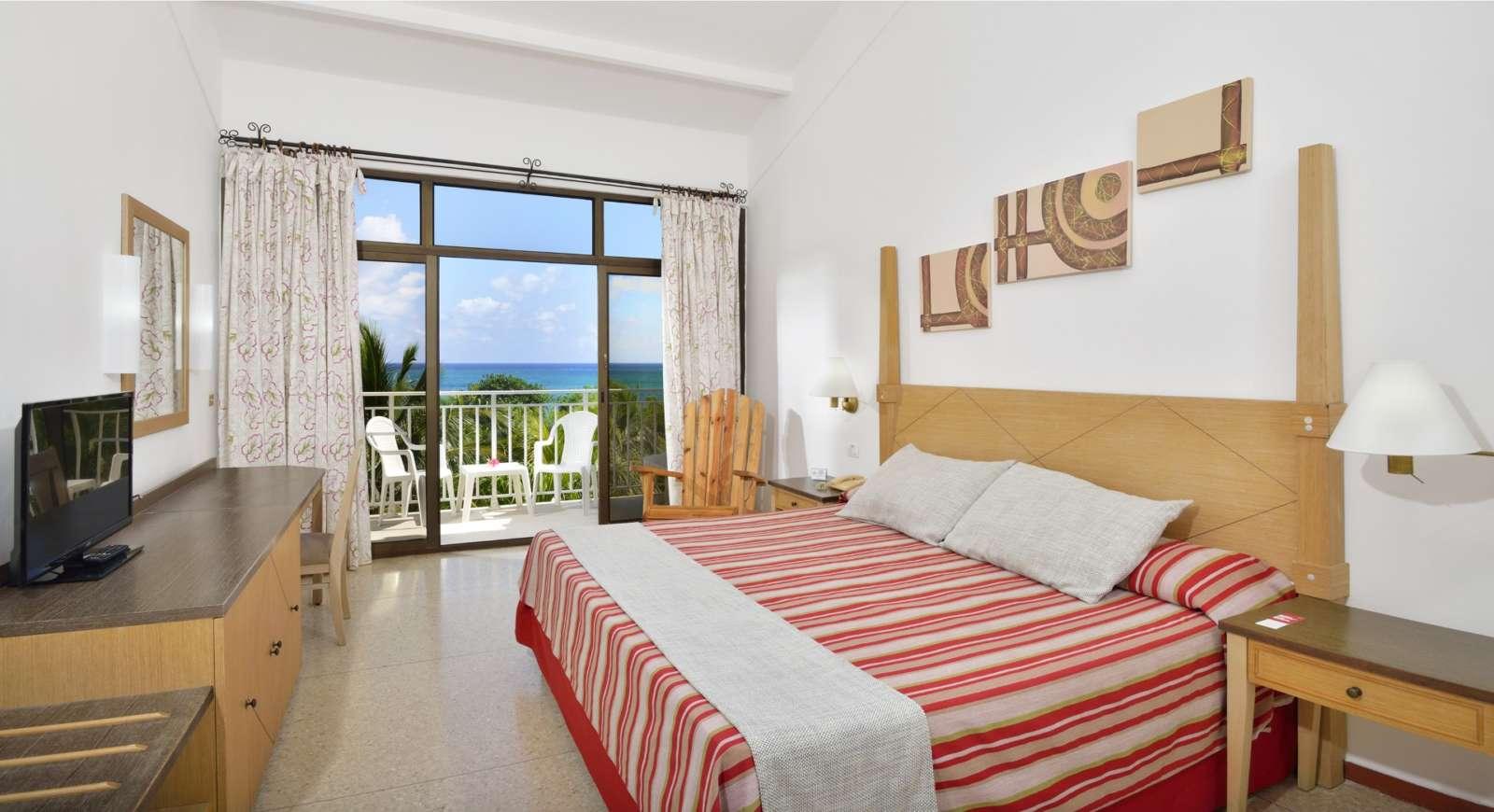 Seaview room at Sol Rio De Luna Y Mares