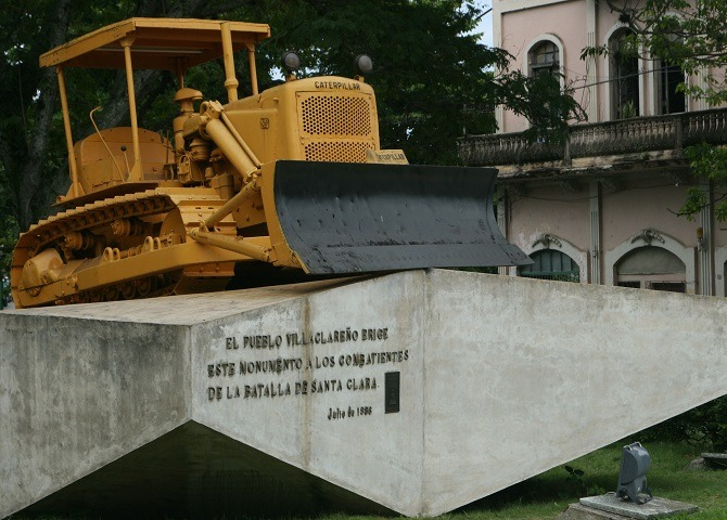 The famous bulldozer from the Tren Blindado