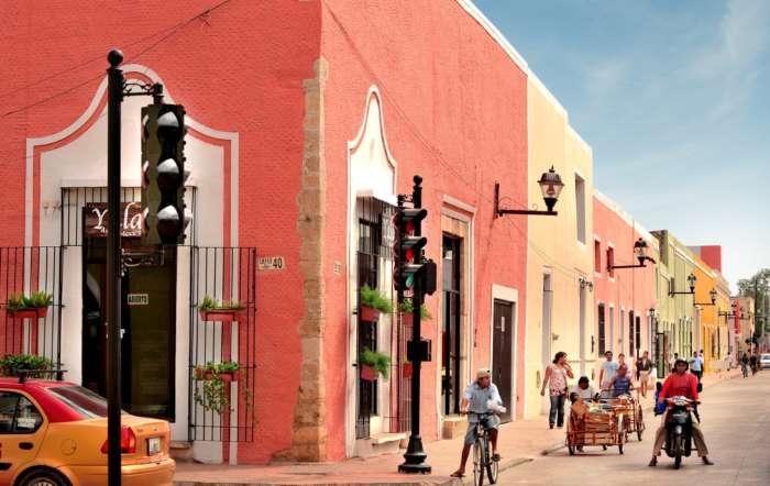 Street corner in Valladolid Mexico