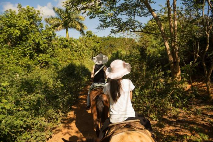 Horseback riding tour of the Vinales Valley