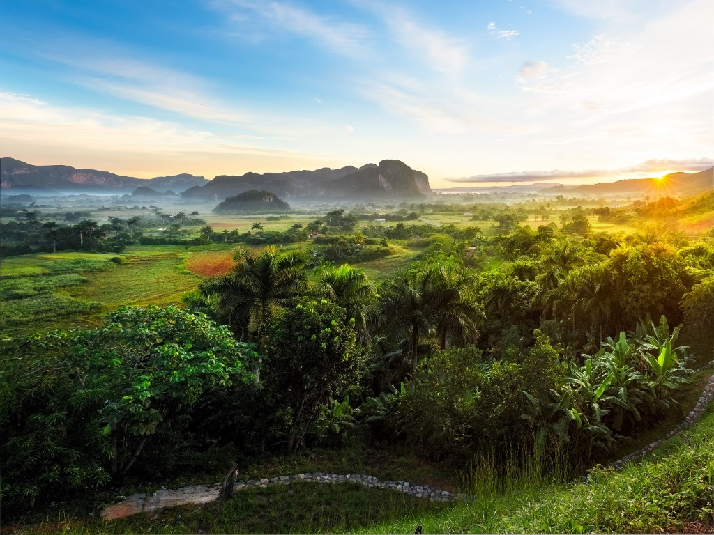 Sunrise in Vinales trip