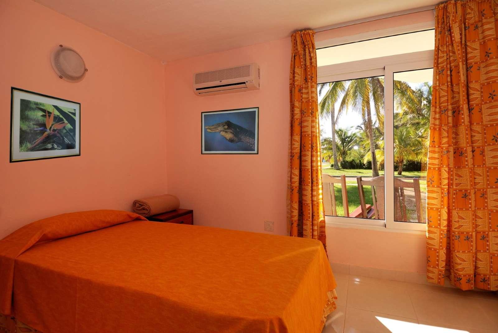 Bedroom at Hotel Playa Larga
