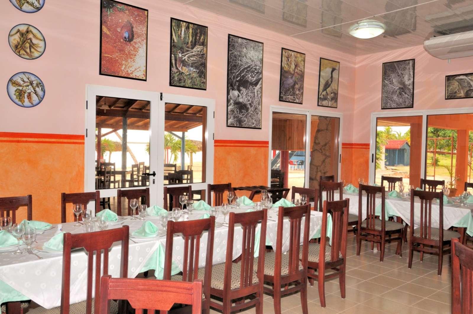 Restaurant at Hotel Playa Larga