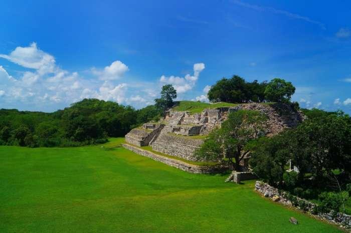 Pyramid at the Mayan ruins of Ake