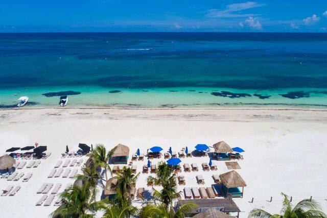 Beach and sea view at Hotel Ojo de Agua in Mexico