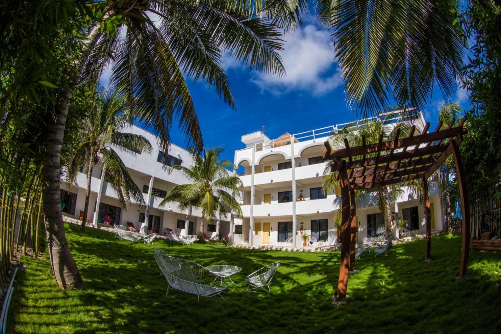 Hotel Ojo De Agua Building