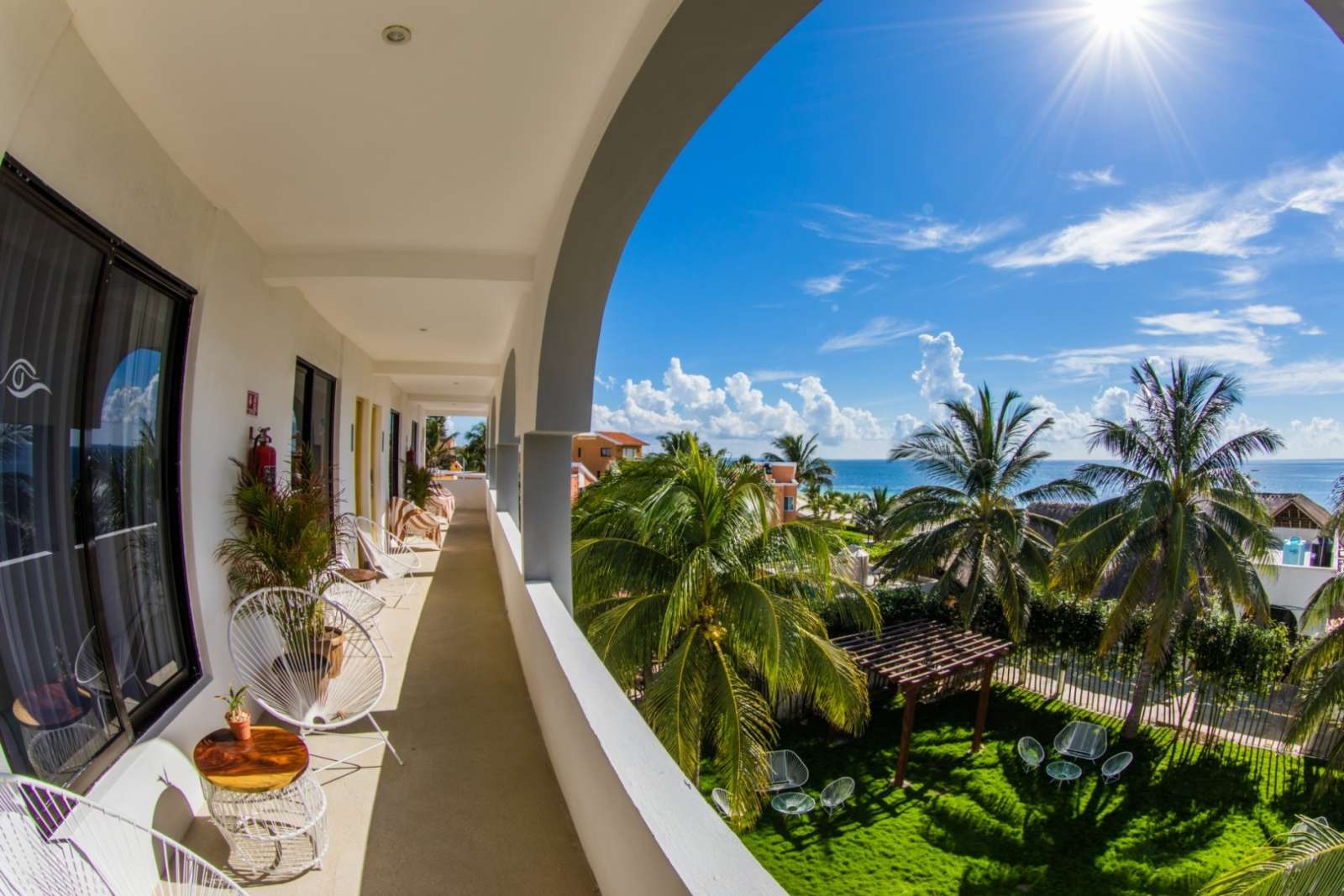 Hotel Ojo De Agua Shared Balcony