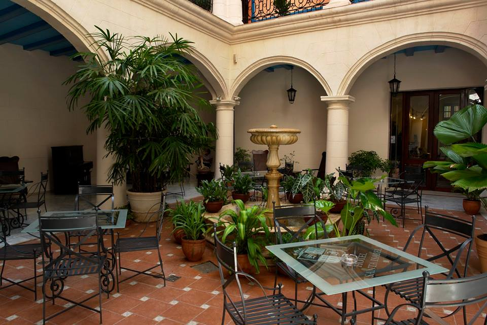 Hotel Santa Isabel Havana Courtyard