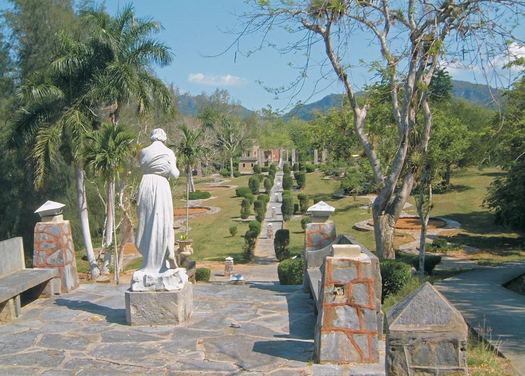 Statue in Parque La Guira, Pinar del Rio
