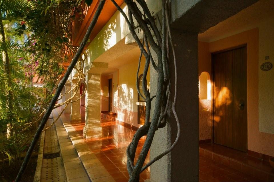 Villas Arqueologicas Chichen Itza Corridor