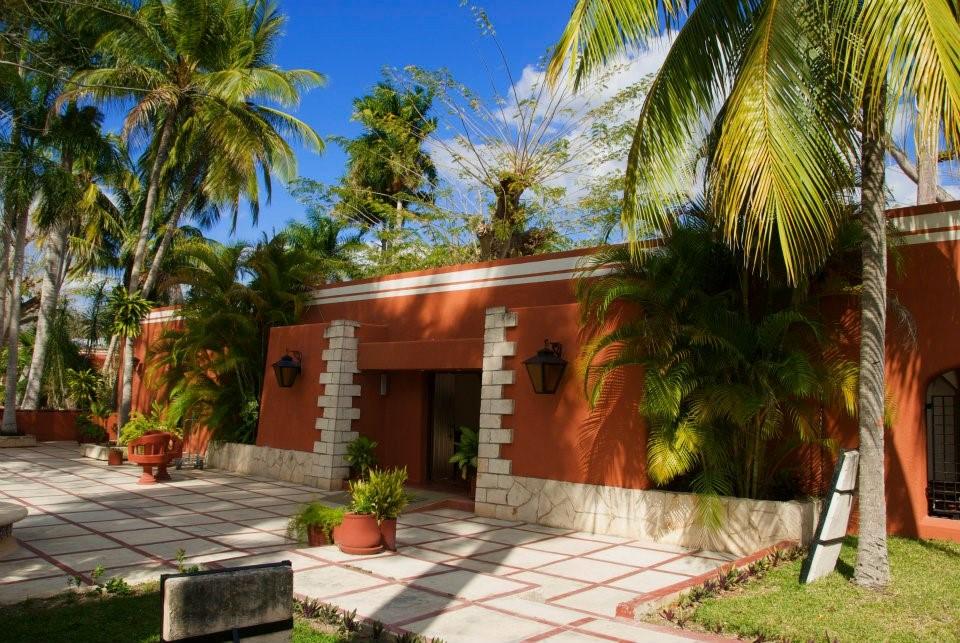 Villas Arqueologicas Chichen Itza Entrance