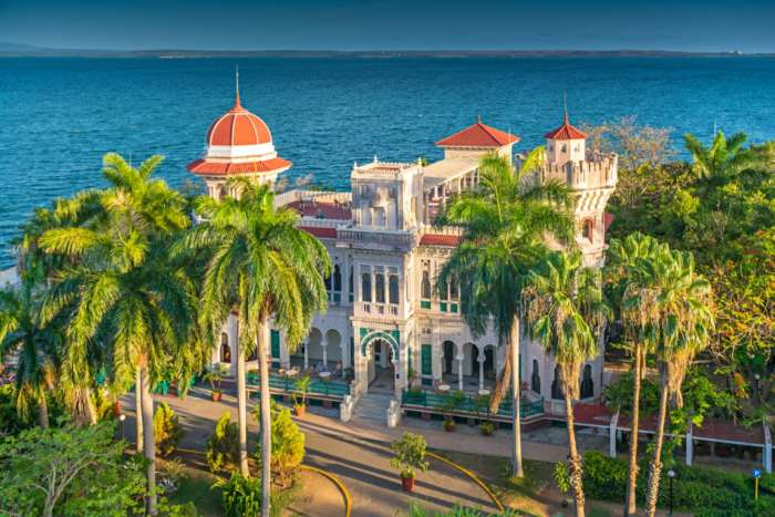 This 14 night Cuba tour takes in almost all of Cuba's key highlights.
