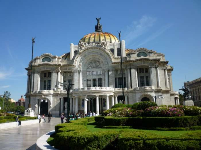 Impressive civic building in Mexico City