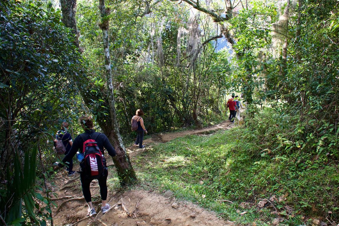 Group hiking to La Plata