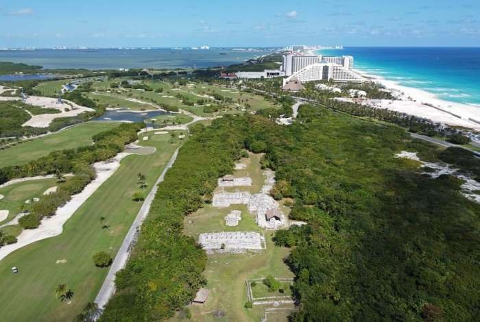 Aerial view of El Rey Mayan ruins in Cancun