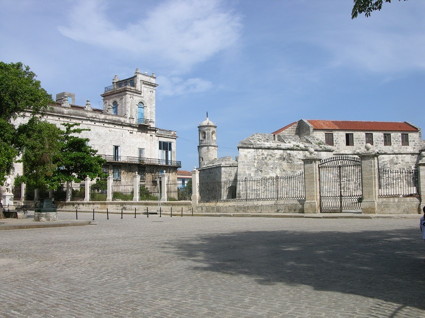 Plaza De Armas Old Havana