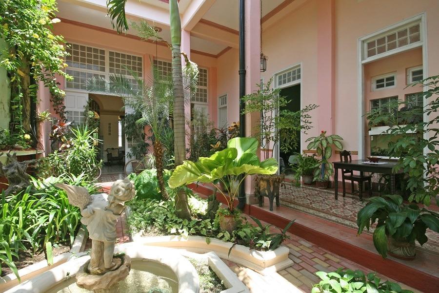 Fountain and internal courtyard