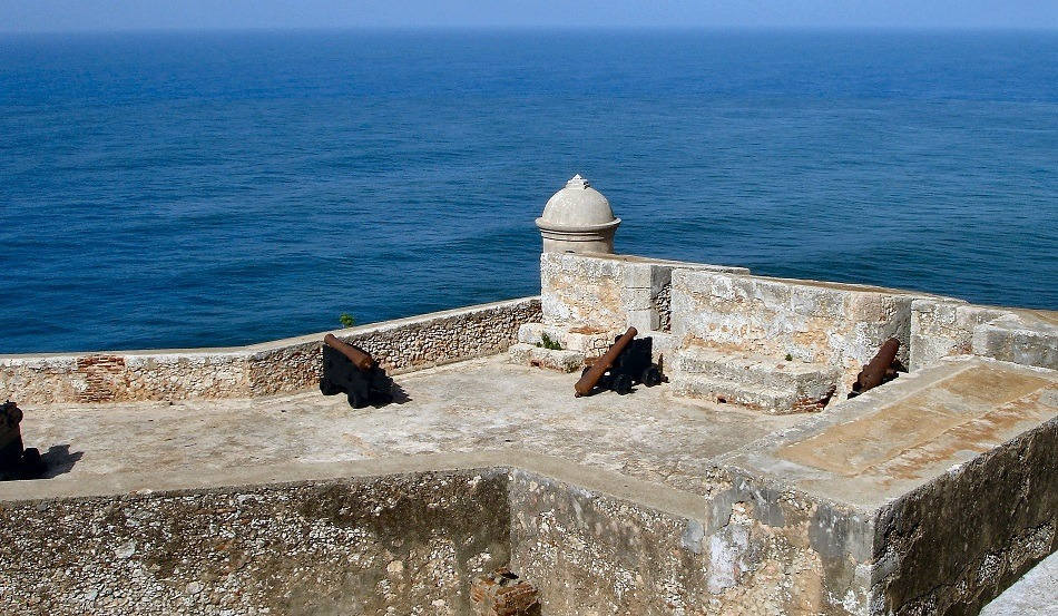 Fort overlooking the ocean in Cuba