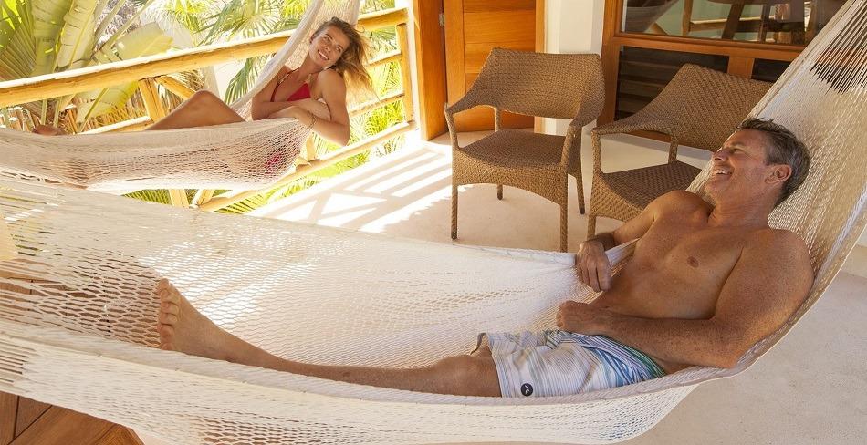 Couple on honeymoon in Mexico