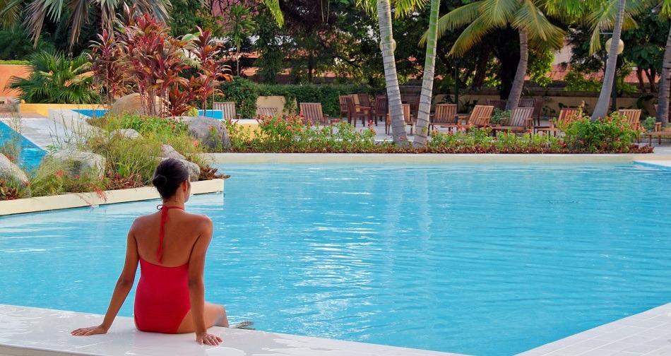 Swimming pool at Melia Santiago