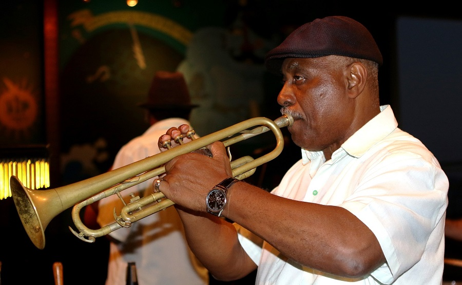 Man playing trumpet in Cuba