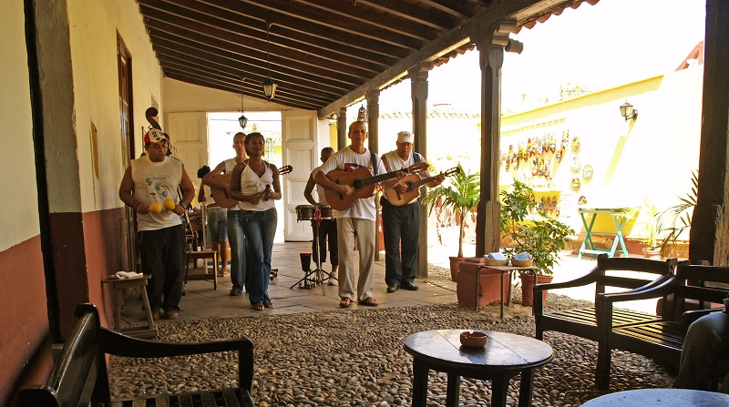 Live band playing at La Canchanchara