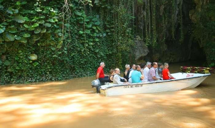 Boat ride to Cueva del Indio in Vinales