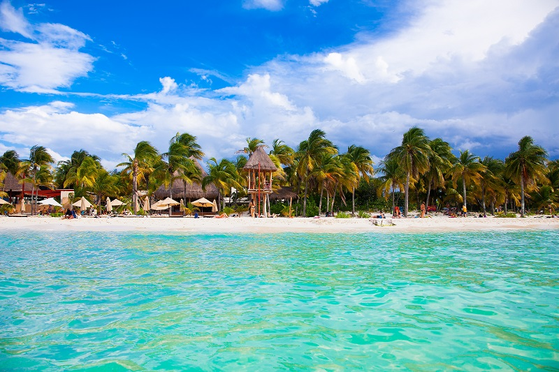 The beaches of Isla Mujeres in Mexico are ideal in March