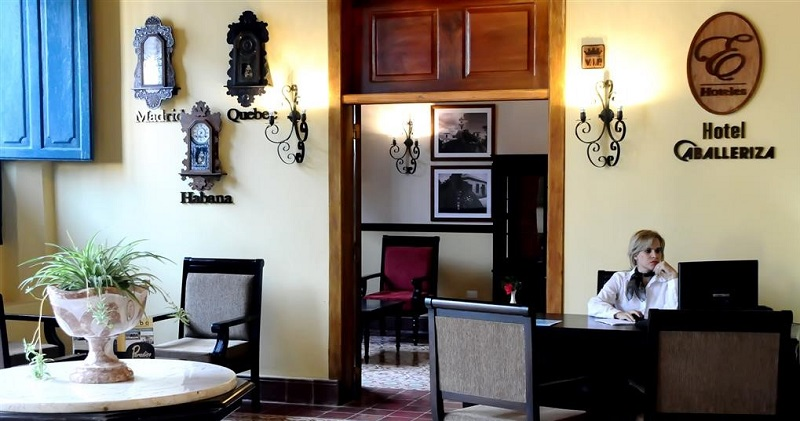 Hotel Caballeriza in Holguin