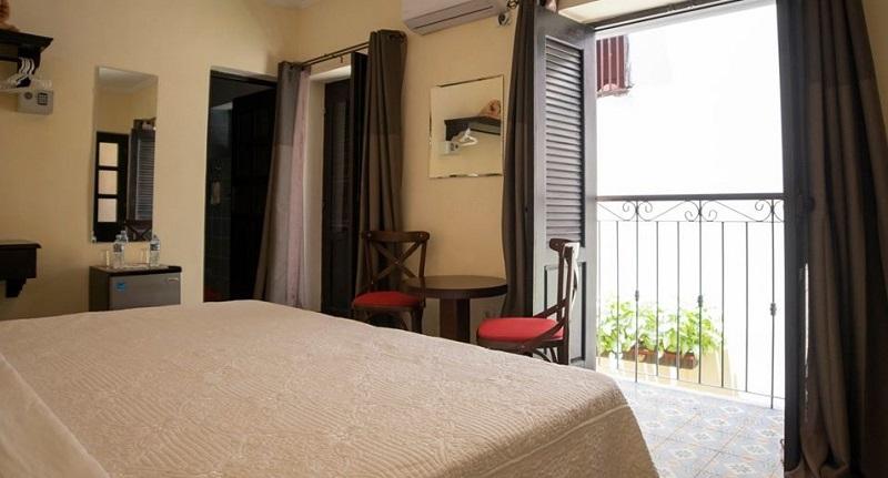 Bedroom of a casa particular in Habana Vieja