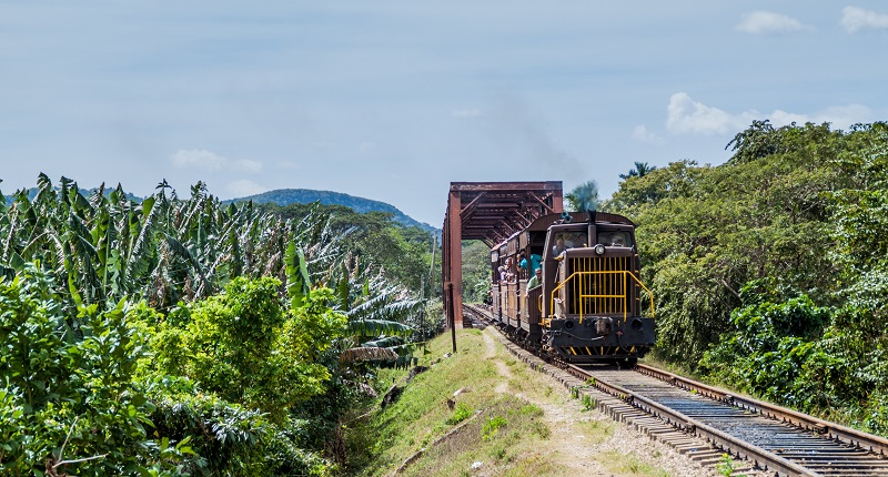 Tourist train from Trinidad to the Valley of the Sugar Mills