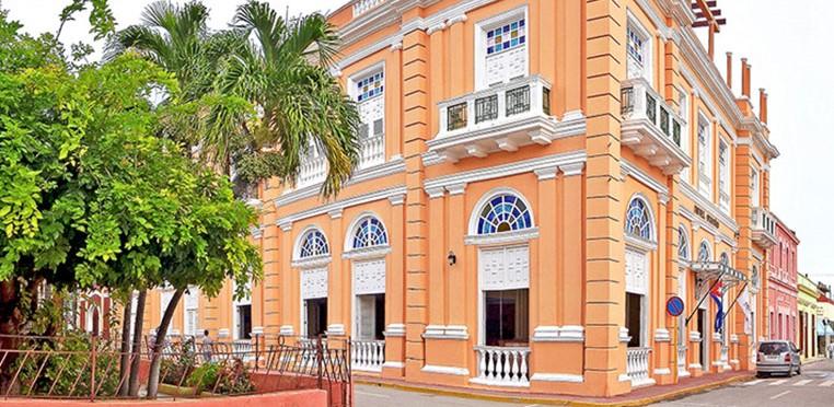 Exterior of Hotel Ordono in Gibara